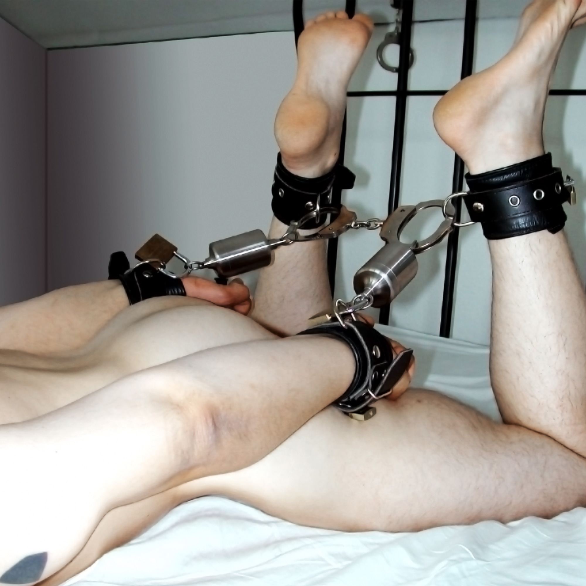 Latex Self Bondage Machine And Small Man
