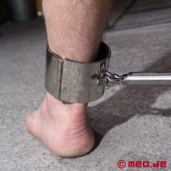Liens de pied en acier
