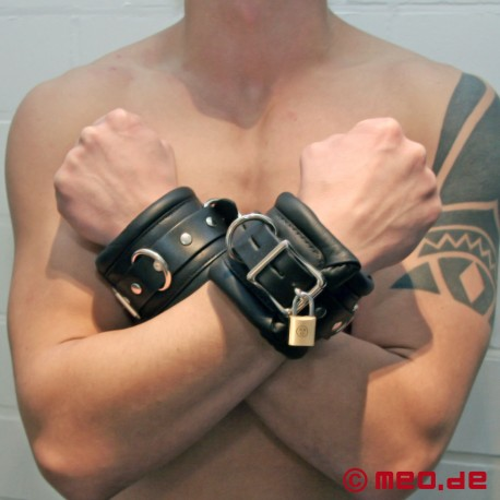 Lockable Wrist Restraints BLACK BERLIN