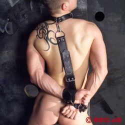 Bondage Rückengeschirr aus Leder