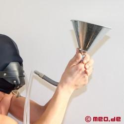 A-Z ULTIMO 4 : Entonnoir avec tuyau