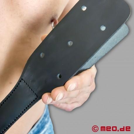 HurtMe: Paddle en Cuir Nestor