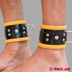 Schwarz / Gelbe Bondage Fußfesseln aus Leder