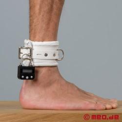 Weiße Bondage Fußfesseln mit Zeitschloss