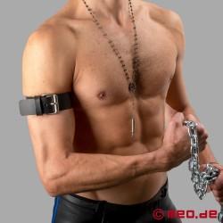 Oberarmband aus Leder mit Schnalle