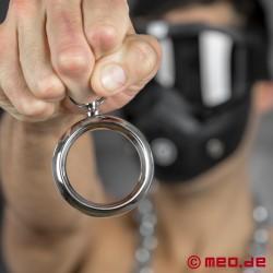 Anello fallico BONDAGE con anellino CAZZOMEO
