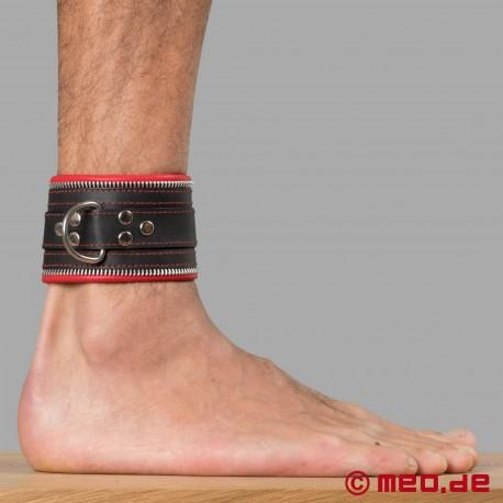 Entraves de bondage pour chevilles Code Z noir/rouge