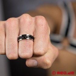 MEO Chaîne d'amour finger ring in silver and black