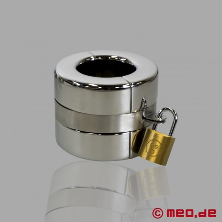 Lockable stainless steel ball stretcher