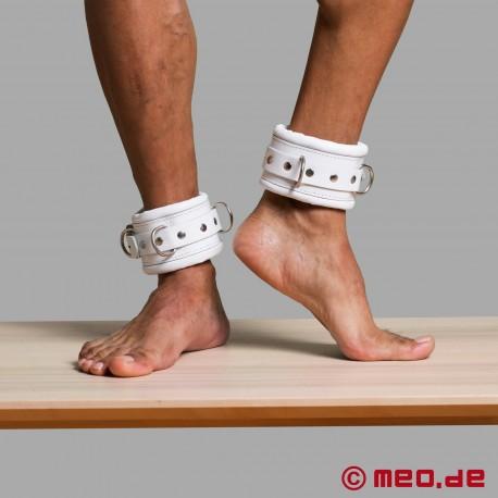 Abschließbare weiße Fußfesseln aus Leder CASABLANCA