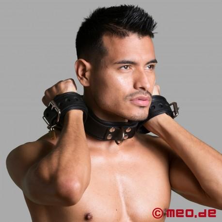 Combinaison collier/menottes