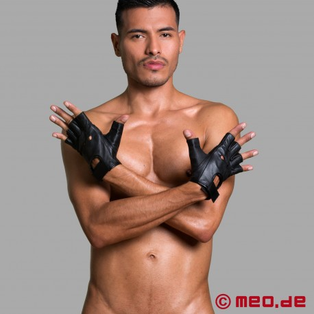 "Dr. Sado's ""Dominator"" half-gloves"