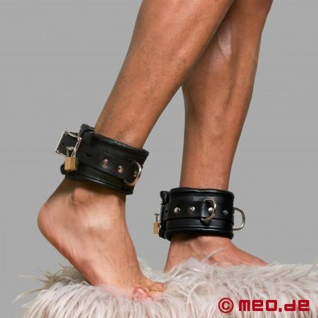 Abschließbare Bondage Fußfesseln BLACK BERLIN aus echtem Leder