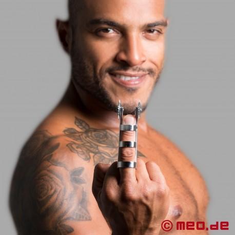 Dr. Sado Double Roulettes à clous pour doigts